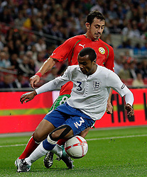 04.09.2010, Wembley Stadium, London, ENG, UEFA Euro 2012 Qualification, England v Bulgaria, im Bild Action involving Ashley Cole of England  and Chavdar Yankov of Bulgaria. EXPA Pictures © 2010, PhotoCredit: EXPA/ IPS/ Marcello Pozzetti +++++ ATTENTION - OUT OF ENGLAND/UK +++++ / SPORTIDA PHOTO AGENCY