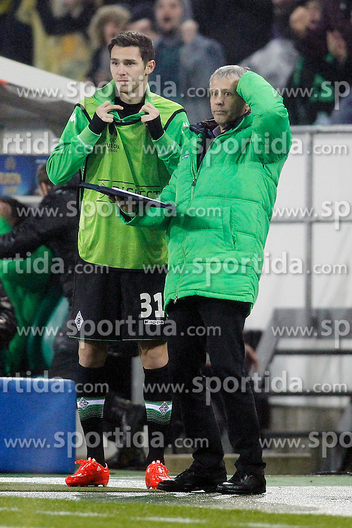 26.02.2015, Borussia-Park, M&ouml;nchengladbach, GER, UEFA EL, Borussia M&ouml;nchengladbach vs FC Sevilla, 1. Runde, R&uuml;ckspiel, im Bild Trainer Lucien Favre (Borussia Moenchengladbach) und Branimir Hrgota (Borussia Moenchengladbach #31) // during the UEFA Europa League 1st Round, 2nd Leg match between Borussia M&ouml;nchengladbach and FC Sevilla at the Borussia-Park in M&ouml;nchengladbach, Italy on 2015/02/26. EXPA Pictures &copy; 2015, PhotoCredit: EXPA/ Eibner-Pressefoto/ Schueler<br /> <br /> *****ATTENTION - OUT of GER*****