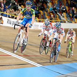 Kirsten WIld wordt Nederlands kampioen puntenkoers voor vrouwen voor Amy Pieters