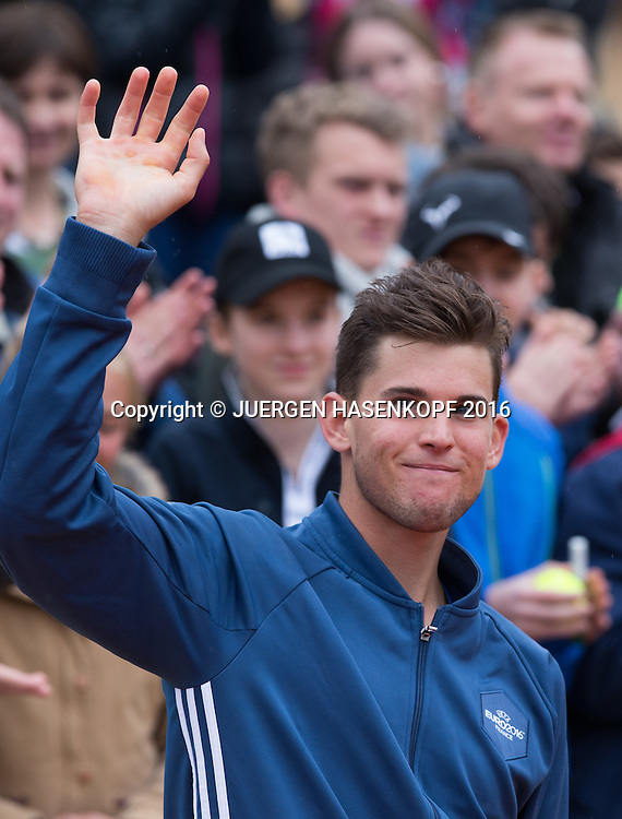 Finalist Dominic Thiem (AUT),winkt und bedankt sich beim Publikum, Endspiel, Final<br /> <br /> Tennis - BMW Open2016 -  ATP  -  MTTC Iphitos - Munich - Bavaria - Germany  - 1 May 2016.