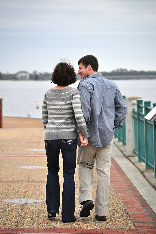 Rob and Kristin Engagement   Photography New Bern