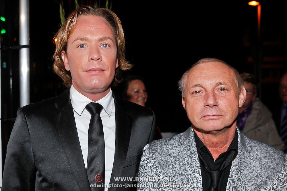 NLD/Zaandam/20101122 - Premiere Volendam de Musical, Ronald Kolk en ..........