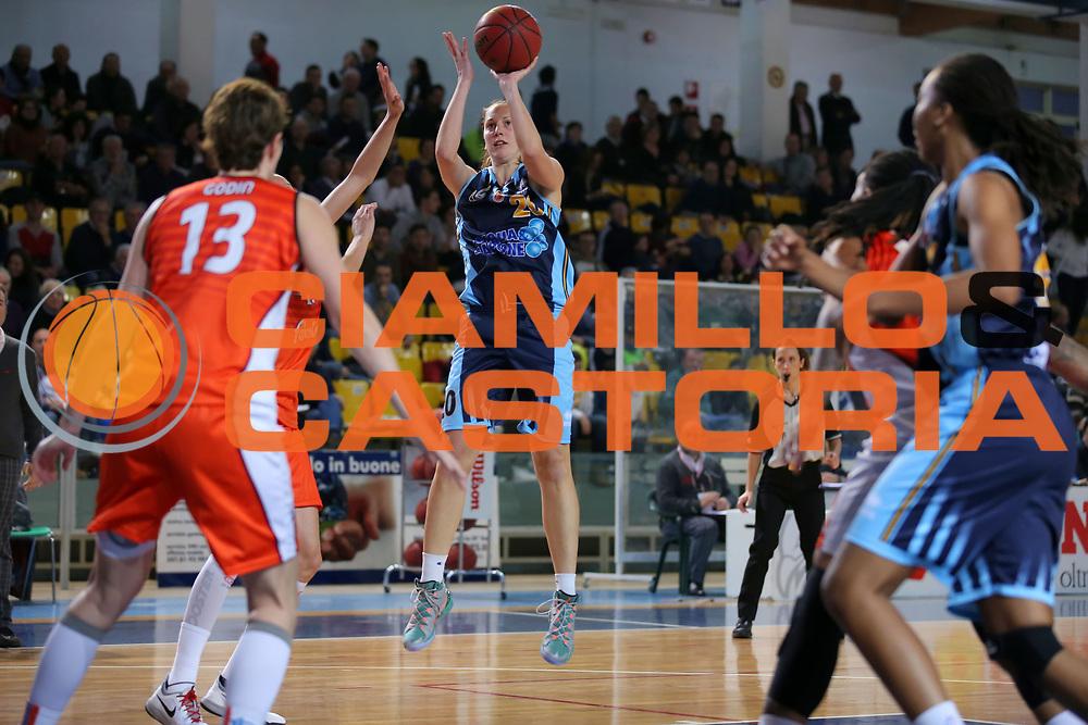DESCRIZIONE : Ragusa Lega A1 Femminile 2013-14 Final Four Coppa Italia Semifinale Famila Wuber Schio UMB AcquaSapone Umbertide <br /> GIOCATORE : Lavinia Santucci<br /> SQUADRA : UMB AcquaSapone Umbertide <br /> EVENTO : Final Four Coppa Italia Lega A1 Femminile 2013-2014 <br /> GARA : Famila Wuber Schio UMB AcquaSapone Umbertide<br /> DATA : 15/02/2014<br /> CATEGORIA : <br /> SPORT : Pallacanestro <br /> AUTORE : Agenzia Ciamillo-Castoria/ElioCastoria<br /> Galleria : Lega Basket Femminile 2013-2014 <br /> Fotonotizia : Ragusa Lega A1 Femminile 2013-14 Final Four Coppa Italia Semifinale Famila Wuber Schio UMB AcquaSapone Umbertide<br /> Predefinita :
