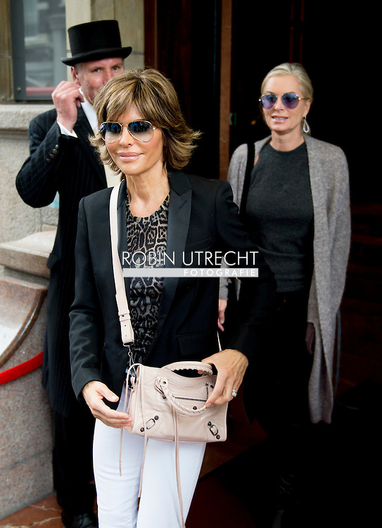 AMSTERDAM - Lisa Rinna (L) and Kim Richards (R) from The Real Housewives of Beverly Hills in Amsterdam on October 2, 2014.  COPYRIGHT ROBIN UTRECHT