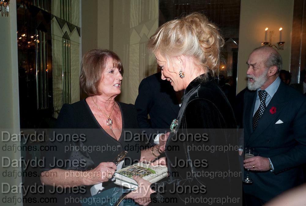 LADY ANNABEL GOLDSMITH; PRINCESS MICHAEL OF KENT; PRINCE MICHAEL OF KENT, Book launch of Lady Annabel Goldsmith's third book, No Invitation Required. Claridges's. London. 11 November 2009