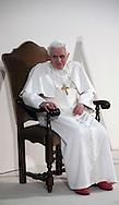 Roma 14 Febbraio 2010.Papa Benedetto XVI visita l'ostello Caritas di via Marsala alla Stazione Termini.Rome, February 14, 2010.Pope Benedict XVI visits the Caritas hostel in via Marsala to the Termini Station..