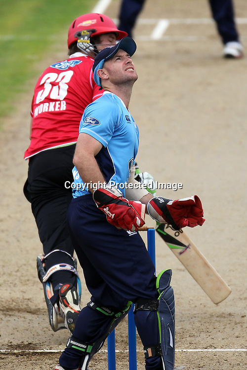 Gareth Hopkins during the Ford Trophy match between the Auckland Aces and Canterbury Wizards. Men's domestic one day cricket. Colin Maiden Park, Auckland, New Zealand. Wednesday 14 December 2011. Ella Brockelsby / photosport.co.nz