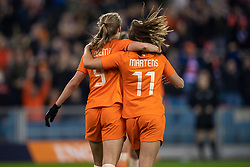 05-04-2019 NED: Netherlands - Mexico, Arnhem<br /> Friendly match in GelreDome Arnhem. Netherlands win 2-0 / Vivianne Miedema #9 of The Netherlands scores 1-0, Lieke Martens #11 of The Netherlands