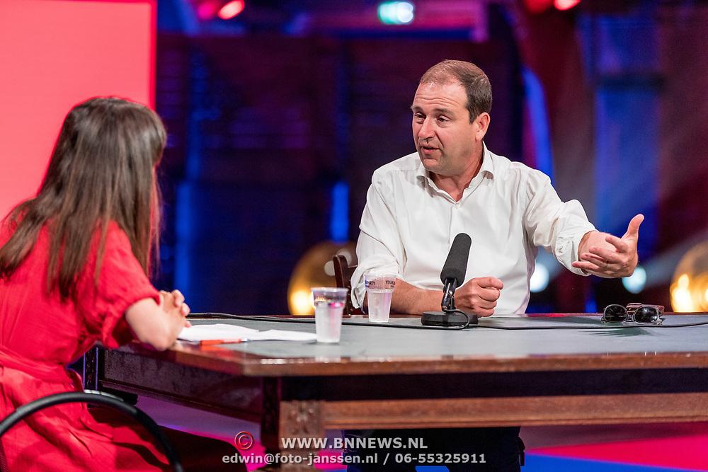 NLD/Utrecht/20200401602 - Cultuur in Actie.nl, Daphne Bunskoek in gesprek met Lodewijk Asscher