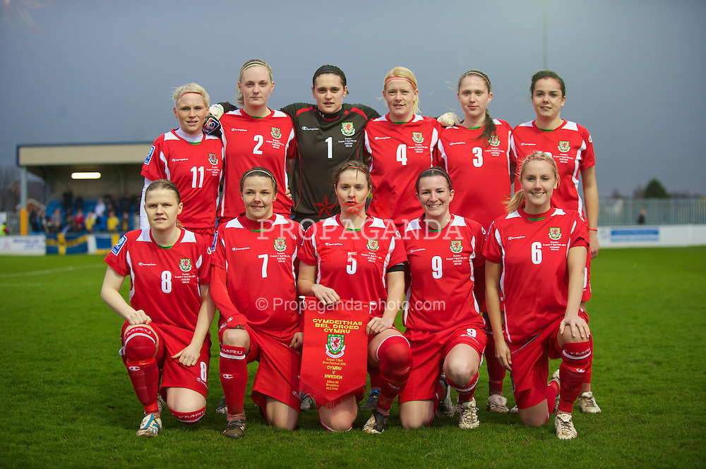 BROUGHTON, ENGLAND - Wednesday, March 31, 2010: Wales' women line up for a team-group photograph before the FIFA Women's World Cup 2011 Qualifying Group 8 match against Sweden at the Airfeld. Back row L-R: Jessica Fishlock, Erin Vaughan, goalkeeper Rhian Nokes, Kerrie Manley, Jasmin Dutton, Gwennan Harries. Front row L-R: Michelle Green, Loren Dykes, captain Emma Jones, Helen Lander, Katie Daley. (Pic by David Rawcliffe/Propaganda)
