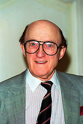 , RON MOODY, British Actor, Attending the Variety Club Christmas Luncheon in honour of Sir Cliff Richard, COMPULSORY CREDIT: Starstock/Photoshot Photo, UGL 015668/A-04 08.12.1998. EXPA Pictures © 2015, PhotoCredit: EXPA/ Photoshot/ Photoshot<br /> <br /> *****ATTENTION - for AUT, SLO, CRO, SRB, BIH, MAZ only*****