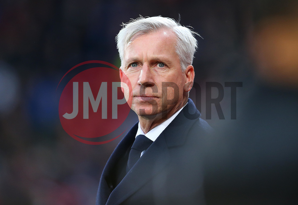 Crystal Palace Manager Alan Pardew - Mandatory byline: Paul Terry/JMP - 12/12/2015 - Football - Selhurst Park - London, England - Crystal Palace v Southampton - Barclays Premier League