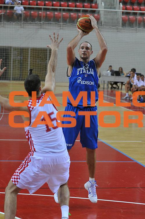 DESCRIZIONE : Porec Amichevole Croazia Italia<br /> GIOCATORE : marco cusin<br /> CATEGORIA : tiro<br /> SQUADRA : Nazionale Italia Maschile<br /> EVENTO : Amichevole Italia Croazia<br /> GARA : Italia Croazia<br /> DATA : 09/08/2012<br /> SPORT : Pallacanestro<br /> AUTORE : Agenzia Ciamillo-Castoria/C.De Massis<br /> Galleria : FIP Nazionali 2012<br /> Fotonotizia :  Trieste Amichevole Croazia Italia<br /> Predefinita :
