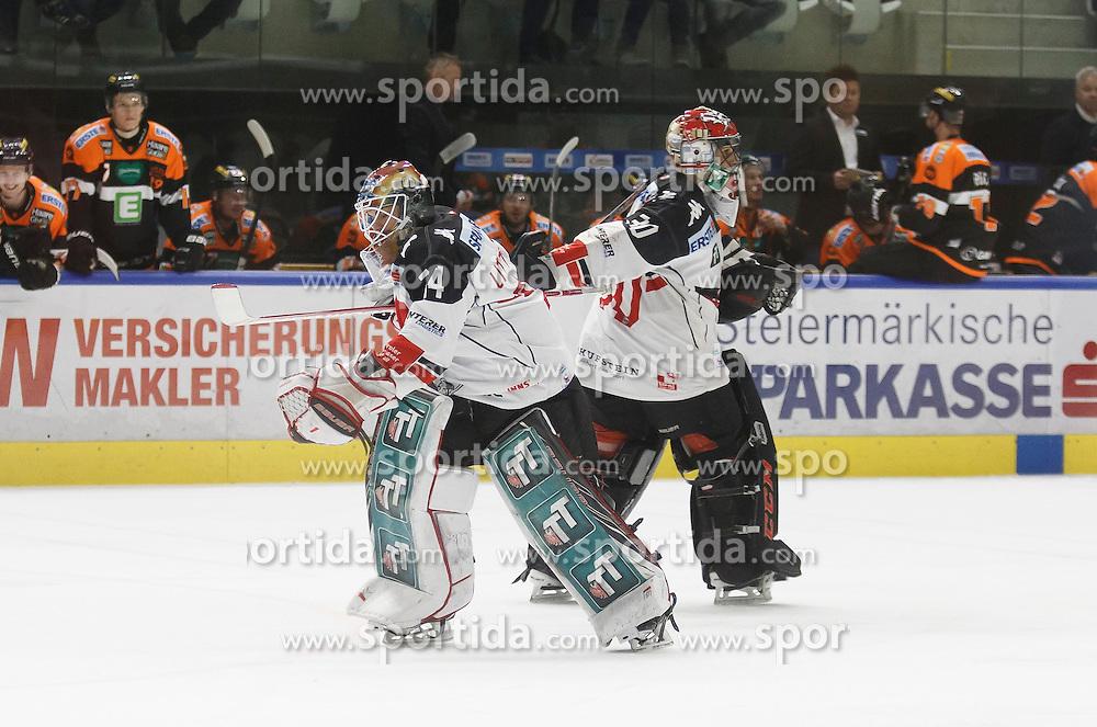 02.12.2016, Merkur Eisarena, Graz, AUT, EBEL, Moser Medical Graz 99ers vs HC TWK Innsbruck Die Haie, 25. Runde, im Bild Andy Chiodo (#30, HC TWK Innsbruck) und Manuel Litterbach (#34, HC TWK Innsbruck) beim Tormanntausch // during the Erste Bank Icehockey League 25th Round match between Moser Medical Graz 99ers and HC TWK Innsbruck at the Merkur Ice Arena, Graz, Austria on 2016/12/02, EXPA Pictures © 2016, PhotoCredit: EXPA/ Erwin Scheriau
