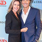 NLD/Amsterdam/20181028 - Premiere Expeditie Eiland, Rick Engelkes en partner Marie Claire Noorlander