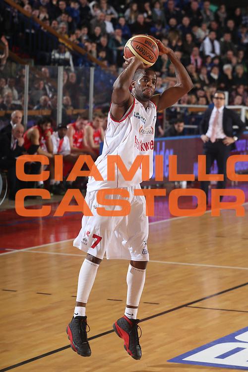 DESCRIZIONE : Reggio Emilia Lega A 2012-13 Trenkwalder Reggio Emilia EA7 Emporio Armani Milano<br /> GIOCATORE : Donell Taylor<br /> CATEGORIA : tiro<br /> SQUADRA : Trenkwalder Reggio Emilia <br /> EVENTO : Campionato Lega A 2012-2013 <br /> GARA : Trenkwalder Reggio Emilia EA7 Emporio Armani Milano<br /> DATA : 24/02/2013<br /> SPORT : Pallacanestro <br /> AUTORE : Agenzia Ciamillo-Castoria/P. Boccaccini<br /> Galleria : Lega Basket A 2012-2013  <br /> Fotonotizia : Reggio Emilia Lega A 2012-13 Trenkwalder Reggio Emilia EA7 Emporio Armani Milano
