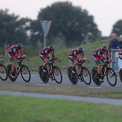 27-09-2016: Wielrennen: Olympia Tour: Hardenberg<br /> HARDENBERG (NED) wielrennen<br /> Nederlands oudste wielerkoers ging van start in Hardenberg met een ploegentijdrit. BMC Development Team