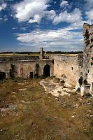 La Massaria Salinelle ubicata nell'omonima contrada, è considera una delle più grandi della campagna oritana, ormai abbandonata da tempo.