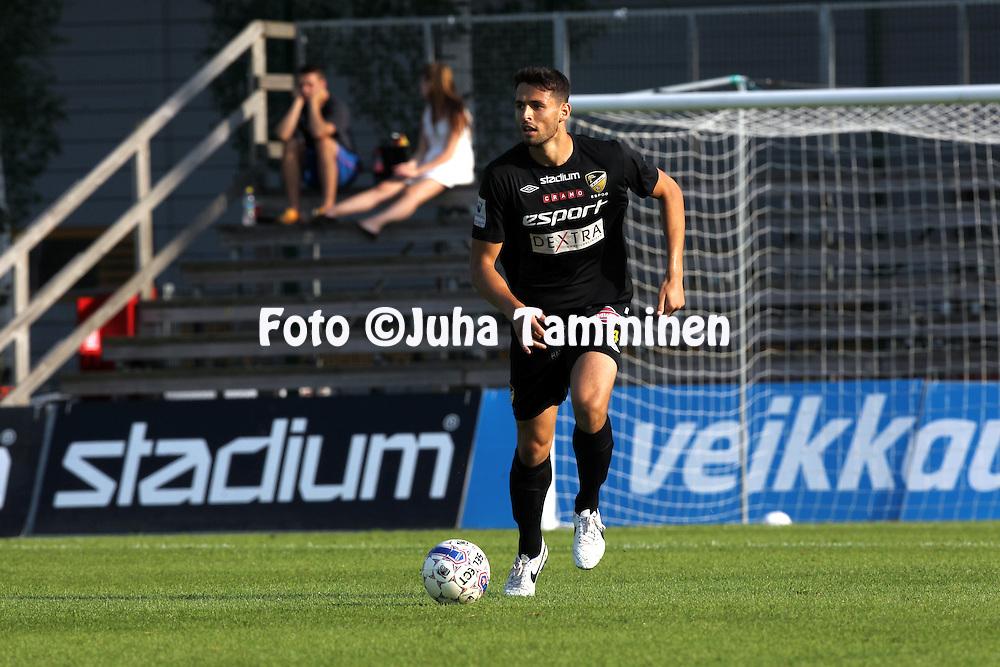 3.8.2014, Tapiolan Urheilupuisto, Espoo.<br /> Veikkausliiga 2014.<br /> FC Honka - IFK Mariehamn.<br /> Lum Rexhepi - Honka