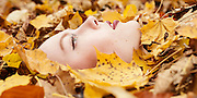 Autumn leafs beauty portrait by Beauty Fotograf München - Kpaou Kondodji
