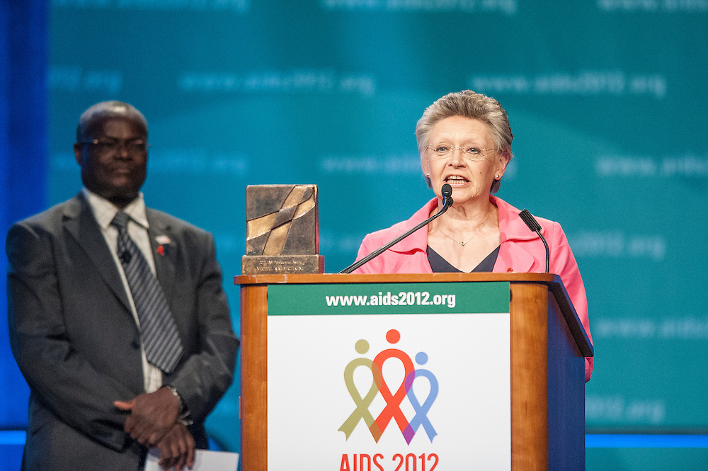 IAS President Françoise Barré-Sinoussi prepares to present the  IAS Presidents Award at the closing ceremony of the 2012 International AIDS Conference in Washington, D.C.