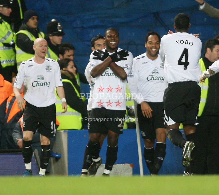 LONDON, ENGLAND - Tuesday, December 4, 2007: Everton's Ayegbeni Yakubu celebrates scoring the equalising goal against Chelsea with his team-mates during the League Cup Semi-Final 1st Leg match at Stamford Bridge. (Pic by Chris Ratcliffe/Propaganda)