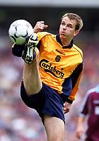 Dietmar Hamann (Liverpool). West Ham United 1:1 Liverpool, F.A. Carling Premiership, 17/9/2000. Credit: Colorsport / Stuart MacFarlane.