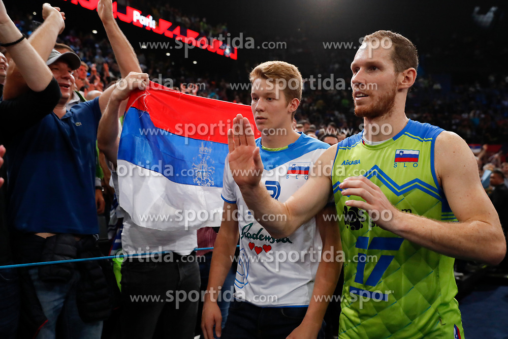 PARIS, FRANCE - SEPTEMBER 29: Tine Urnaut #17 of Slovenia thanks the fans after the EuroVolley 2019 Final match between Serbia and Slovenia at AccorHotels Arena on September 29, 2019 in Paris, France.  Photo by Catherine Steenkeste / Sipa / Sportida