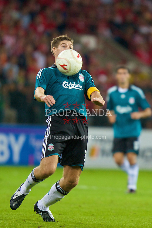 LIEGE, BELGIUM - Wednesday, August 13, 2008: Liverpool's captain Steven Gerrard MBE in action against Royal Standard de Liege during the UEFA Champions League 3rd Qualifying Round match at the Stade Maurice Dufrasne. (Photo by David Rawcliffe/Propaganda)
