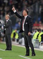 FUSSBALL   CHAMPIONS LEAGUE   SAISON 2010/2011   GRUPPE  E  FC Basel - FC Bayern  Muenchen     28.09.2010 Trainer Louis van Gaal (FC Bayern Muenchen) positiv