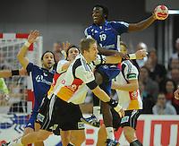 Handball EM Herren 2010 Hauptrunde Deutschland - Frankreich 24.01.2010 Bertrand Gille (FRA links), Torsten Jansen (GER), Oliver Roggisch (GER), Luc Abalo (FRA Nr. 19), Lars Kaufmann (GER)