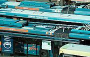 Nederland, Arnhem, 4-3-2002Trolleybussen op het stationsplein van Arnhem.Openbaar vervoer, milieuvriendelijk vervoerFoto: Flip Franssen/Hollandse Hoogte