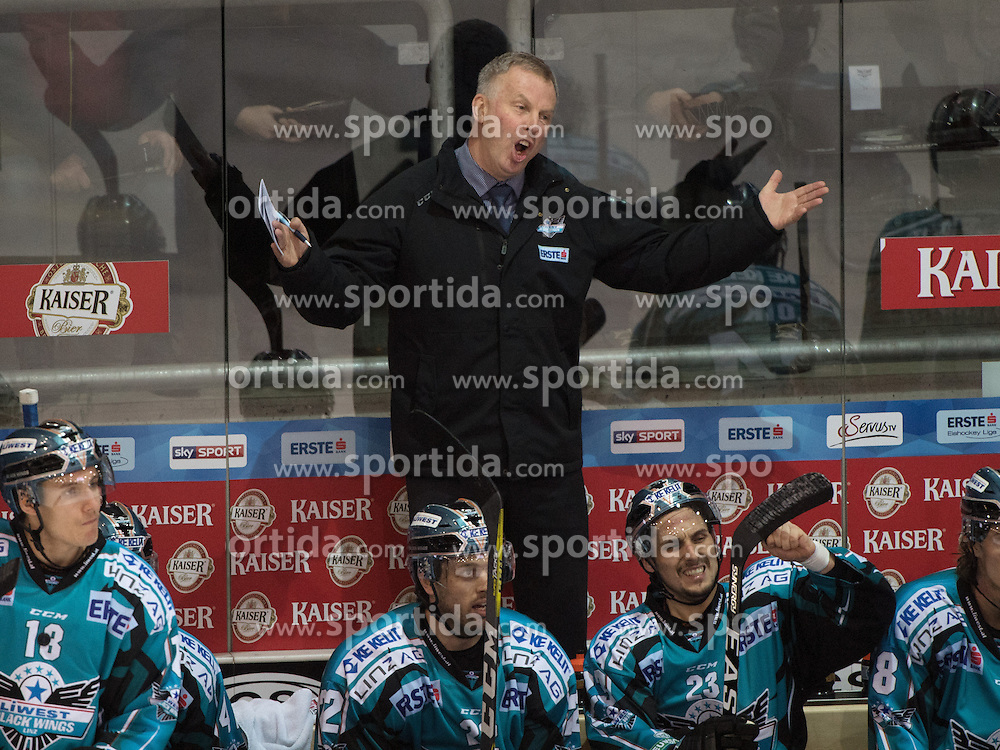 01.12.2016, Keine Sorgen Eisarena, Linz, AUT, EBEL, EHC Liwest Black Wings Linz vs Dornbirner Eishockey Club, 25. Runde, im Bild Head-Coach Robert Daum (EHC Liwest Black Wings Linz) // during the Erste Bank Icehockey League 25th round match between EHC Liwest Black Wings Linz and Dornbirner Eishockey Club at the Keine Sorgen Icearena, Linz, Austria on 2016/12/01. EXPA Pictures © 2016, PhotoCredit: EXPA/ Reinhard Eisenbauer