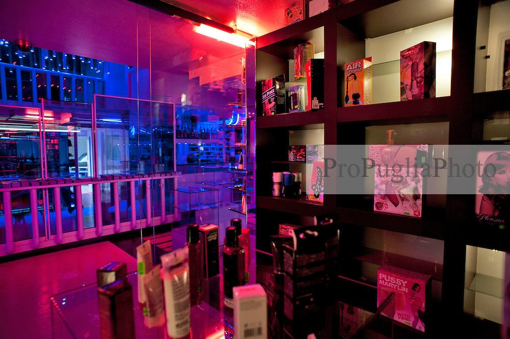Fasano (BR), aprile 2013.Show Girl night club, locale notturno con striptease e sex shop