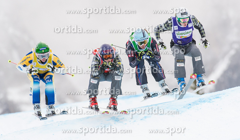 22.12.2013, Haunold Innichen, Wien, ITA, FIS Ski Cross Weltcup, Achtelfinale der Damen, im Bild Kelsey Serwa (CAN, red), Sandra Naeslund (SWE, yellow), Georgia Simmerling (CAN, blue), Ophelie David (FRA, green) // during eight finals of ladies of FIS Ski Cross World Cup at Haunoldi, San Candido, 2013-12-22, EXPA Pictures © 2013 PhotoCredit: EXPA/ Michael Gruber