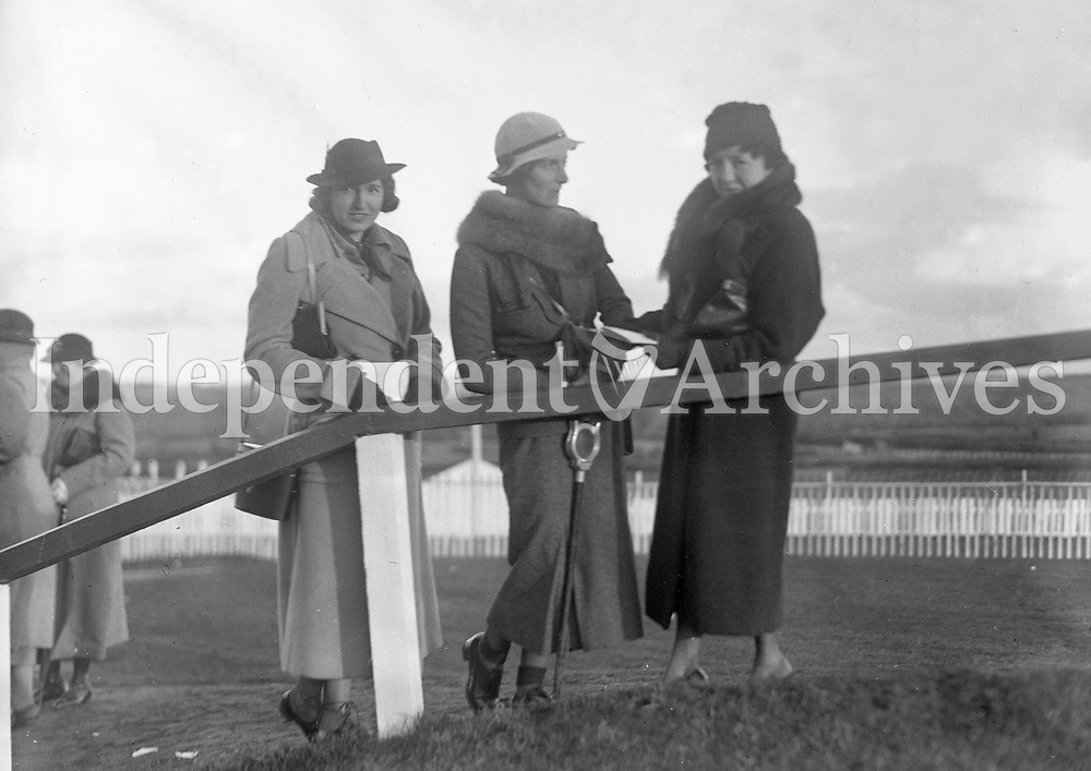 GPS412<br /> Countess MacCormack, her daughter Mrs Pike and Mrs MacHenry.<br /> (Part of the NPA and Independent Newspapers Collection)