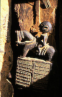 Mali,Dogon country - folk art, sculptures