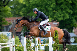 HOUTZAGER Marc (NED), Habitat BP <br /> Hamburg - 90. Deutsches Spring- und Dressur Derby 2019<br /> Equiline Youngster Cup CSIYH1*<br /> Springprüfung für 7j. und 8j. Pferde<br /> 31. Mai 2019<br /> © www.sportfotos-lafrentz.de/Stefan Lafrentz