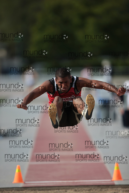 London, Ontario ---13/06/09---  Taylor Stewart of London Legion T&F Alliance competes in the  2009 AO Ontario Junior Championships at TD Waterhouse stadium in London, Ontario, June 13, 2009..GEOFF ROBINS Mundo Sport Images