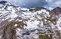 THEMENBILD - das Alpincenter am Kitzsteinhorn, aufgenommen am 16. Juli 2019 in Kaprun, Österreich // the Alpincenter at the Kitzsteinhorn, Kaprun, Austria on 2019/07/16. EXPA Pictures © 2019, PhotoCredit: EXPA/ JFK