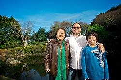 Filha de japoneses, Fukiko Takeda, 73 anos, presidiu a Sociedade Nipo-Brasileira do Rio Grande do Sul, entidade que atualmente é comandada por seu filho, o arquiteto Guilherme Takeda. FOTO: Lucas Uebel/Preview.com