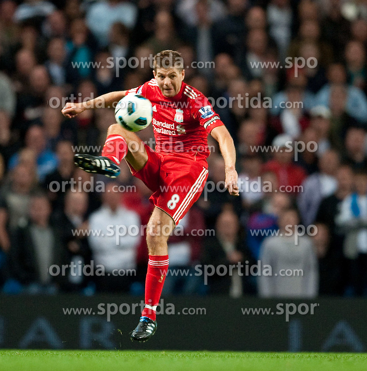 23.08.2010, City of Manchester Stadium, Manchester, ENG, PL, Manchester City vs Liverpool FC, im Bild Liverpool's captain Steven Gerrard MBE, EXPA Pictures © 2010, PhotoCredit: EXPA/ Propaganda/ D. Rawcliffe *** ATTENTION *** UK OUT! / SPORTIDA PHOTO AGENCY