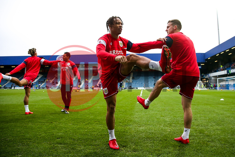 Bobby Reid and Joe Bryan in action as Bristol City warm up - Rogan/JMP - 23/12/2017 - Loftus Road - London, England - Queens Park Rangers v Bristol City - Sky Bet Championship.