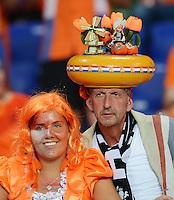FUSSBALL  EUROPAMEISTERSCHAFT 2012   VORRUNDE Niederlande - Deutschland       13.06.2012 Fans der hollaendischen Nationalmannschaft