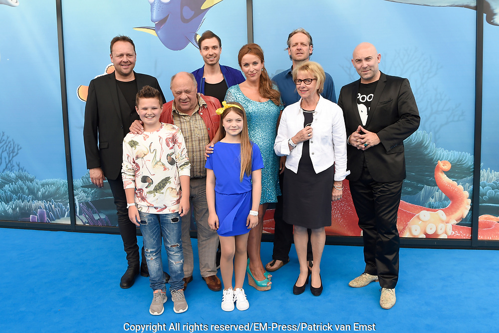 Premiere Disney Animatiefilm Finding Dory in Theater Amsterdam.<br /> <br /> Op de foto:   Voicecast