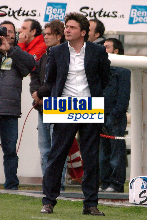 Fotball<br /> Serie A Italia 2004/05<br /> Reggina v Parma<br /> 10. april 2005<br /> Foto: Digitalsport<br /> NORWAY ONLY<br /> Reggina trainer Walter Mazzarri