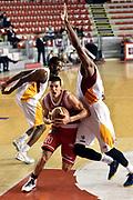 DESCRIZIONE : Roma Lega A 2014-2015 Acea Roma Grissinbon Reggio Emilia<br /> GIOCATORE : Andrea Cinciarini<br /> CATEGORIA : palleggio penetrazione sequenza<br /> SQUADRA : Grissinbon Reggio Emilia<br /> EVENTO : Campionato Lega A 2014-2015<br /> GARA : Acea Roma Grissinbon Reggio Emilia<br /> DATA : 16/03/2015<br /> SPORT : Pallacanestro<br /> AUTORE : Agenzia Ciamillo-Castoria/GiulioCiamillo<br /> GALLERIA : Lega Basket A 2014-2015<br /> FOTONOTIZIA : Roma Lega A 2014-2015 Acea Roma Grissinbon Reggio Emilia<br /> PREDEFINITA :