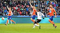 Fotball Menn Eliteserien Rosenborg - Aalesund<br /> Lerkendal Stadion, Trondheim<br /> 23 april 2017<br /> <br /> Mushaga Bakenga scorer for Rosenborg, men målet blir annulert for offside<br /> <br /> Foto : Arve Johnsen, Digitalsport