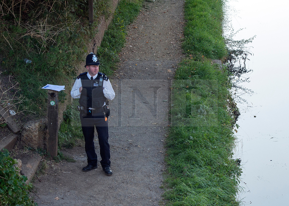 © Licensed to London News Pictures. 08/09/2014. Hanwell, UK Police search for missing school girl Alice Gross today 8th Septemebr 2014. Alice Gross of Hanwell, west London, was last seen by her family at about 13:00 BST on 28 August. CCTV footage shows her walking along the Grand Union Canal tow path near the Holiday Inn at Brentford Lock between 13:30 BST and 17:30 BST.. Photo credit : Stephen Simpson/LNP