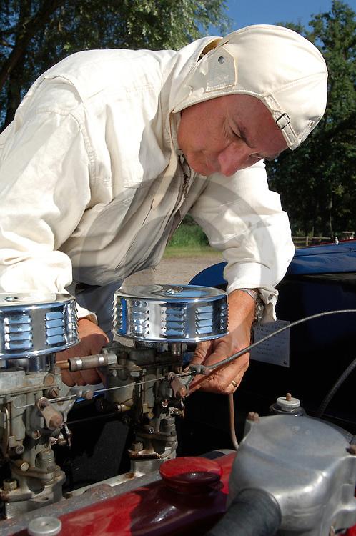 05/08/05 - LEZOUX - PUY DE DOME - FRANCE - Essais Barquette Chassis LEBLOND moteur BMW. Construction 1944, homologation 1947 - Photo Jerome CHABANNE